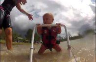 Baby van 7 maanden waterskiet