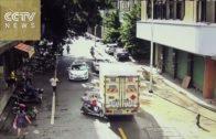 Heftig: 5-jarige rijdt motor en ramt vrachtauto