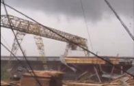 Tornado trekt hijskraan mee