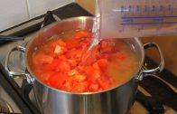 Tomatensoep in een handomdraai. Tip: voeg wat verse basilicum toe!