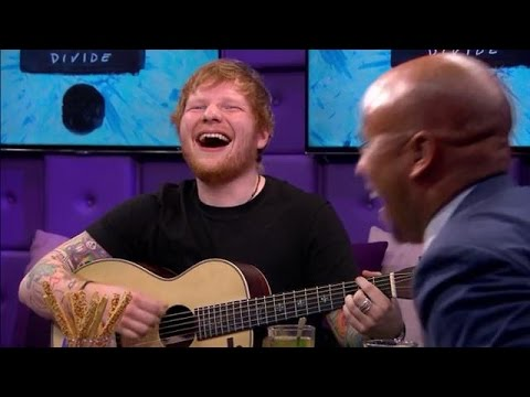 Ed Sheeran improviseert erop los bij RTL Late Night