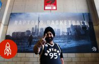 Diehard Toronto Raptors fan mist al 20 jaar geen wedstrijd