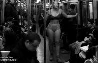 Model Iskra Lawrence kleedt zich uit in de metro